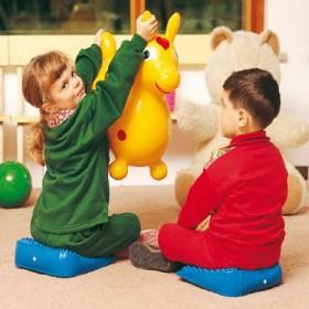 Masažuojantis kėdės pagrindas vaikui Movin'Sit Junior