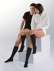 Venų ligos - gydančios kojinės